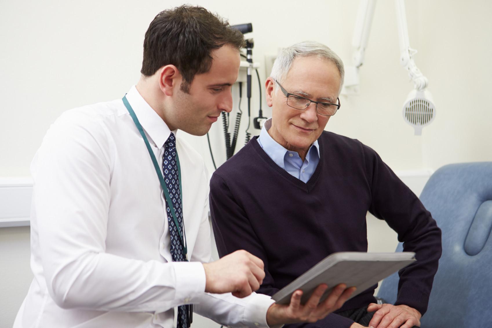 doctor-prostate-cancer-mens-iStock_000044019978_Medium1