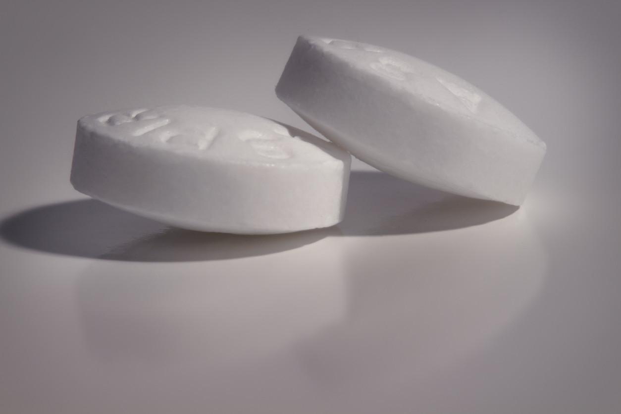 aspirin-tablets-Warrenrandalcarr-iStock-622908048
